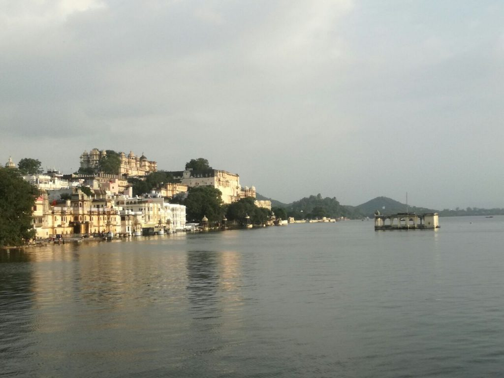 Pichola See und City Palace, Udaipur